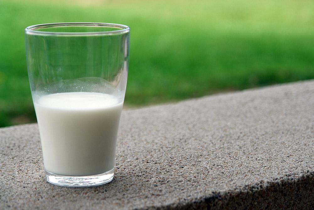 Bicchiere di latte di qualità - guida